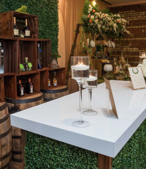 6' Hedge Bar with White Acrylic Top