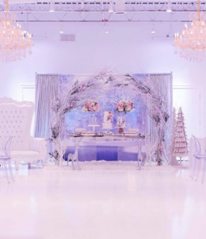8' Ghost Table with Mirrored Table Top, White Tufted Loveseat & Ghost Chairs